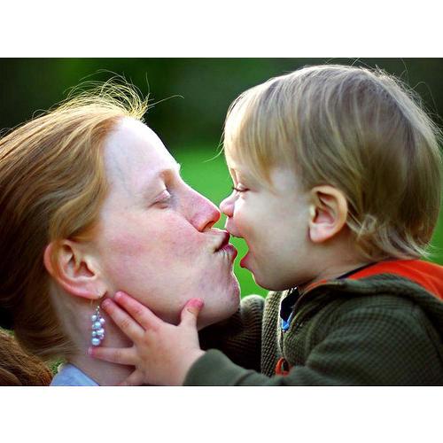 Normal_mother_kiss_flickrcc