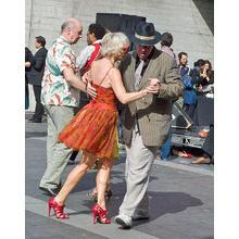 Thumb_old_dance1