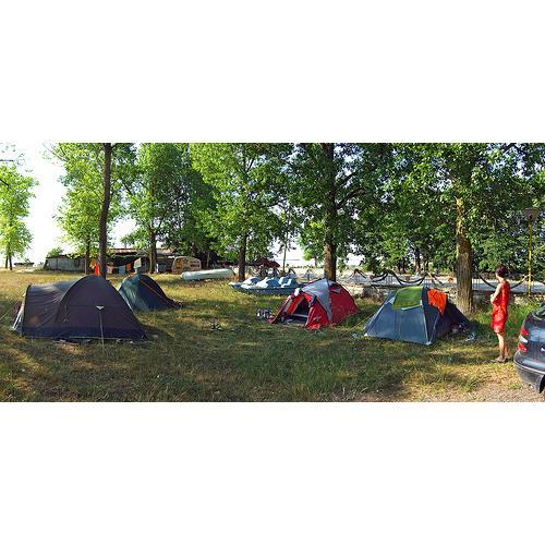 Normal_camping_flickrcc
