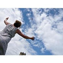 Thumb_kite_women_poslmomiche