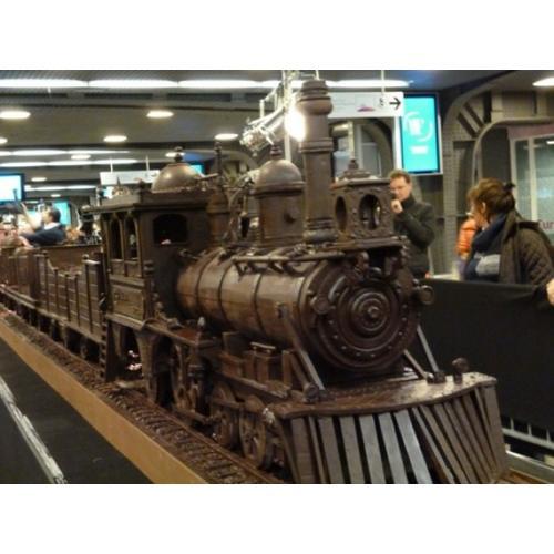Normal_andrew-farrugias-34-meters-chocolate-train-e1353529142990