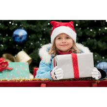Thumb_little_girl_in_christmas-wide