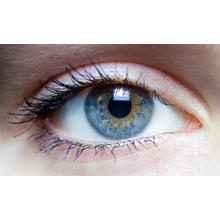 Thumb_iris_-_left_eye_of_a_girl_(1)
