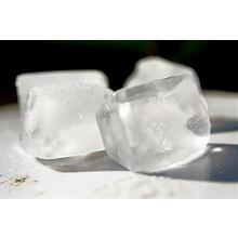 Кубче лед за здрава и еластична кожа