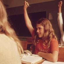 Thumb_1280px-students_in_a_classroom_at_leakey__texas__near_san_antonio_-_nara_-_554838