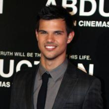 Thumb_taylor_lautner_2011_abduction_premiere
