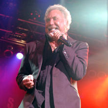 Thumb_tom_jones_concert