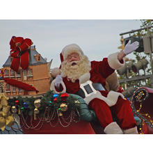 Thumb_santa_in_the_disney_parade