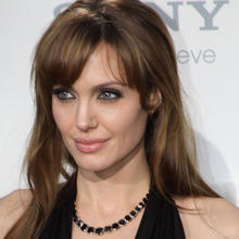 Thumb_angelina-jolie_cropped
