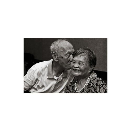 Normal_kissing
