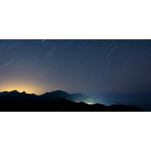 Normal_624-300-nebe-grad-padashti-zvezdi-zvezdopad