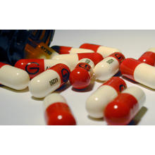 Thumb_stockvault-antibiotics