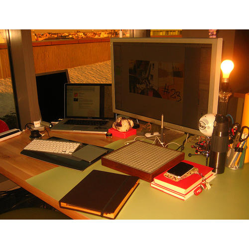 Normal_desk_flickrcc