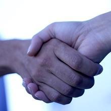 Thumb_handshake_oooh.oooh_flickr_cc