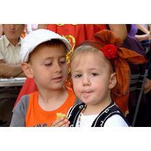 Thumb_krasivi_balgarski_dechica.jpg