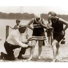 Thumb_23-measuring-bathing-suits-if-they-were-too-short-women-would-be-fined-1920s-dokumentalni-s